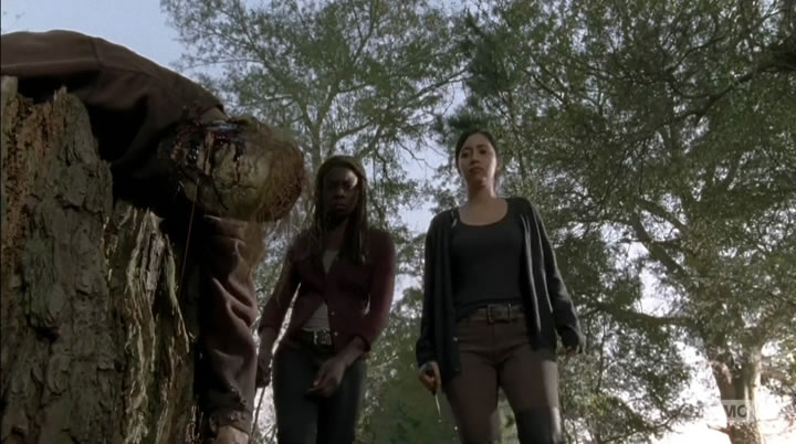 Michonne and Rosita find some fresh meat